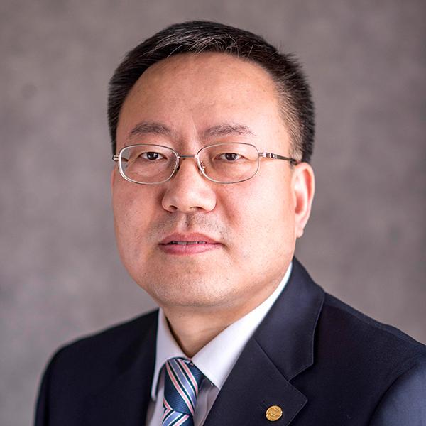 https://www.insdevforum.org/wp-content/uploads/2020/08/img-idf-profile-he-chunlei.jpg