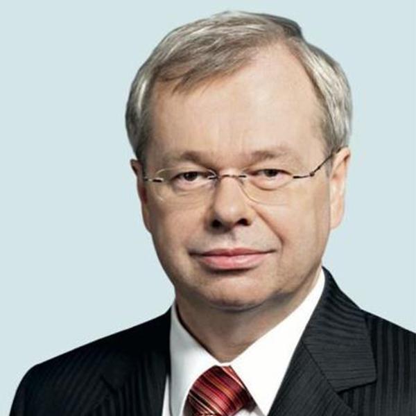 https://www.insdevforum.org/wp-content/uploads/2020/08/img-idf-profile_0000_Torsten-Jeworrek.jpg