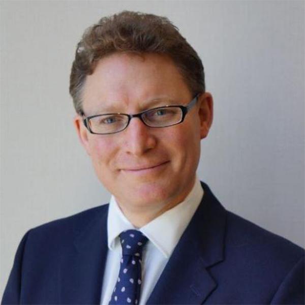 https://www.insdevforum.org/wp-content/uploads/2020/08/img-idf-profile_0002_Rowan-Douglas.jpg